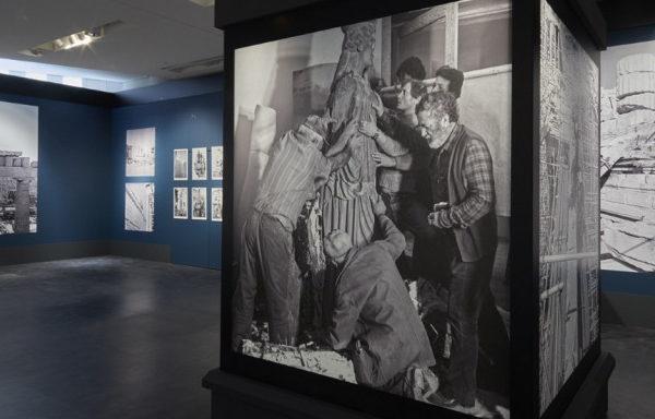 Ο μόχθος και η αγωνία των μαρμαροτεχνιτών για την αποκατάσταση του Μνημείου της Ακρόπολης [εικόνες]