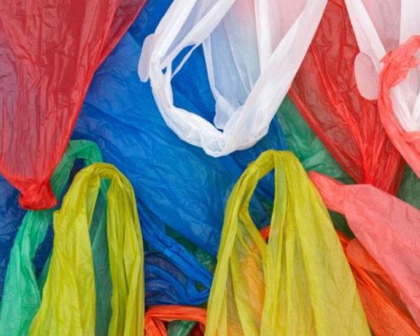 Nέο «χαράτσι» στις πλαστικές σακούλες