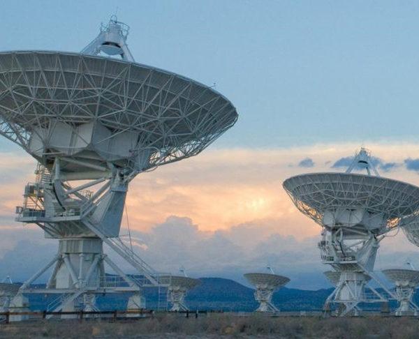 Αστρονόμοι «σαρώνουν» όλο τον ουρανό για να βρουν σήματα από εξωγήινο πολιτισμό (video)