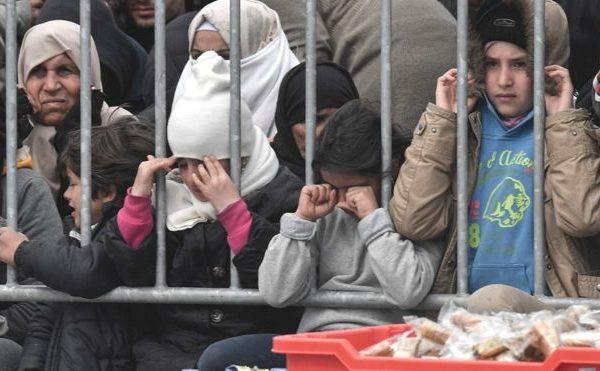 Το δικαστήριο της ΕΕ τάσσεται κατά τριών κρατών έναντι των προσφύγων