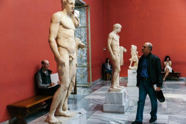 Καθηγητής ανακάλυψε κάτι στα αρχαία ελληνικά αγάλματα που δεν είχε προσέξει κανείς