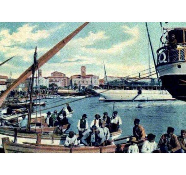 Παλιά καλοκαίρια στο Σαρωνικό…
