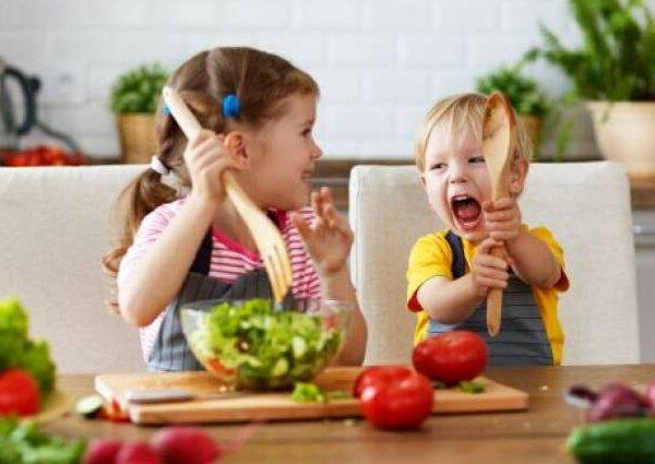 Παιδί: Πώς θα φάει περισσότερα λαχανικά και φρούτα