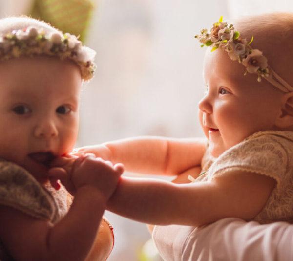 Ιστορικά υψηλά νούμερα παγκοσμίως στις γεννήσεις διδύμων – Πώς το εξηγούν οι ειδικοί;