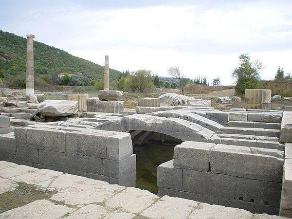 Μικρά Ασία : To Ιερό του Απόλλωνα στην Κλάρο